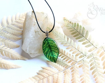 Resin Transparent Necklace - Leaf Pendant - Nature Jewelry - Leaves - Tree Leaf Necklace