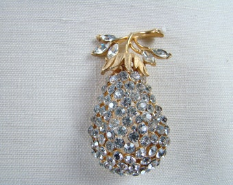 CORO 3 Dimensional Rhinestone Pear Pin Brooch