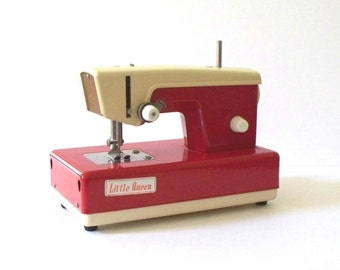 Vintage Little Queen Toy Sewing Machine