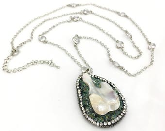 Handmade Silver Chain Necklace with a Genuine Quartz Crystal Pendant Embarked with Swarovski Crystals and a Freshwater Pearl