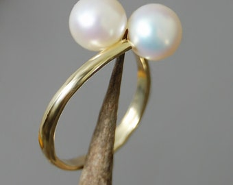 Luce - Freshwater Pearl Ring, pearl engagement ring, promise ring, double pearl ring, gold pearl ring, white Freshwater pearl, anniversary