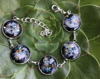 Five resin bezel adjustable bracelet
