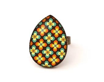 Cabochon ring • Pop pattern • seventies brass drop glass