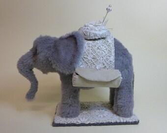 Näh Elefant großes Nadelkissen zum selber nähen. Ebook mit Schnittmuster by Furry Critters