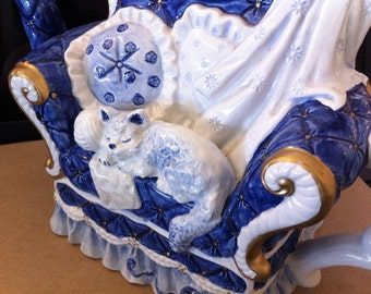 Teapot,Cat in Chair, Blue &White Comfy Chair, Sleeping Kitty, Large Ceramic Teapot