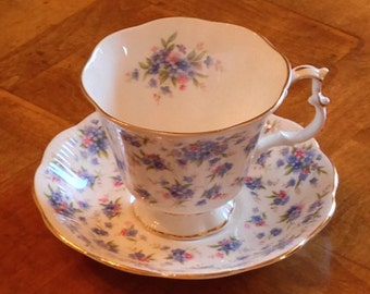 "Royal Albert English Fine Bone China Nell Gwynne Series ""Covent Garden"" Teacup and Saucer - Lambert Shape"