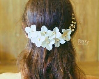 Flower Hair Piece, Wedding Flower Accessory, White Flower Vine, Flower Crown, Bridal Hairpiece, White Flower Hair Piece, Wedding Tiara