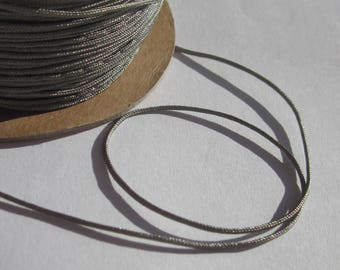 1 m of thread for jewelry, cotton and polyester 1 mm thick approximately (86)