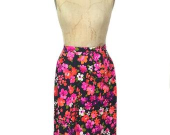 vintage 1970's floral wrap skirt / dark floral / cotton / neon bold print / spring summer / women's vintage skirt / size medium