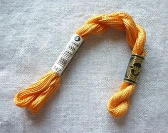 Coton perlé 5 DMC jaune ambre  col 742 - échevette 25 mètres