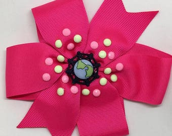 Holding Hands Around The World - Large: 12.5cm Pinwheel Hair Bow Clip