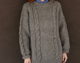 Vintage Chunky CABLE KNIT SWEATER
