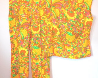 2 Piece Pant Top Suit Set Flower Drum Fashions 1960's size 12 Hong Kong 100% Cashmilon Groovy Psychedelic Flower Power Orange Yellow Green