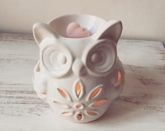 Pretty White Ceramic Owl Wax Burner