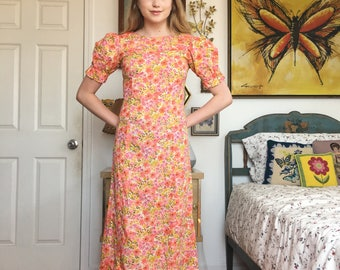Vintage 70s // Pink & Yellow Floral Dress