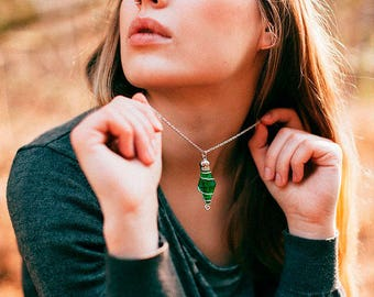 Plumbob Necklace,Resin Necklace,Rose Terrarium Necklace,Rose Pendant, Resin Flower Necklace, Resin Pendant,Romantic Necklace,Crystal Pendant