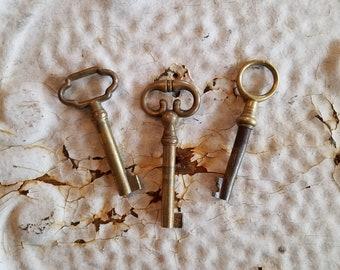 3 Brass Skeleton Keys, Antique Skeleton Key, Antique Keys, Vintage Keys, Cast Iron Keys, Antique Door Keys, Old Rustic Keys, Fancy Keys