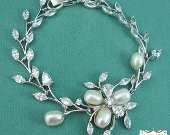 Pearl Bridal bracelet, wedding bracelet, freshwater pearl bracelet, cubic zirconia pearl bracelet, bridal jewelry, Dahlia Bracelet