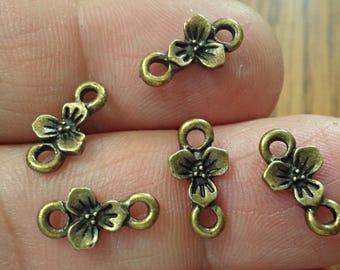 set of 20 flower connectors Jewelry Making  Jewelry FINDINGS /U11