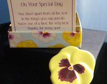 Vintage Avon Mother's Day Flower Pin Brooch Original Box