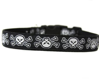 1 Inch Wide Dog Collar with Adjustable Buckle or Martingale in Skulls