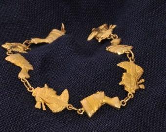 Elegant Pharonic golden bracelet