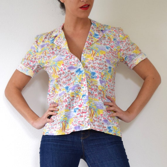 Vintage 70s 80s Island Life Novelty Print Short Sleeved Button Down Short Sleeved Cotton Blouse (size small, medium)