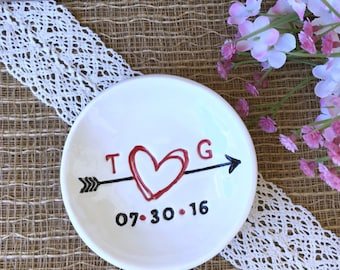 Ring Dish Personalized with Scribble Heart and Arrow - Ring Dish Wedding, Wedding Ring Dish, Engagement Ring Dish