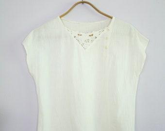 Vintage 1980's White Cap Sleeve Bali Cut Out Button Neck Boxy Top M