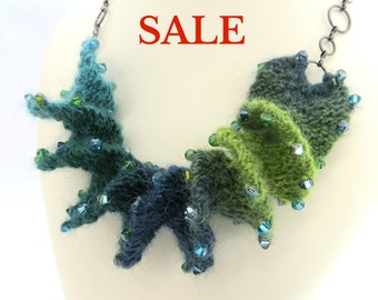 S A L E - Yarn Spiral Necklace Knitting Kit - Evergreen