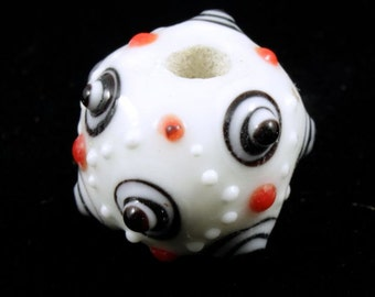 13mm Handmade White Sputnik (2 Pcs) #1118