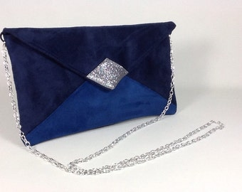 Evening bag in navy blue and blue Klein suedette and silver spangles, with shoulder strap in silver chain