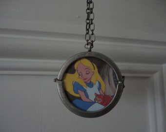 Disney's Alice In Wonderland necklace 2 sided The Red Queen