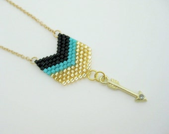 Arrow Pendant / Peyote Pendant / Chevron Pendant / Seed Bead Pendant in Black, Gold and Turquoise / Petite Necklace / Arrow Necklace