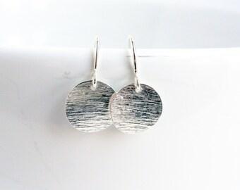 Sterling silver coin earrings - silver disc earrings - wavy disc earrings - patterned silver disc - simple silver minimalist earrings