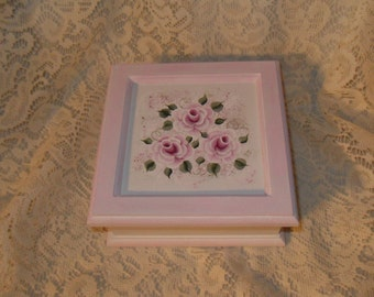 Jewelery Box Shabby  Cottage Chic Hand Painted Victorian Pink Rose Cluster