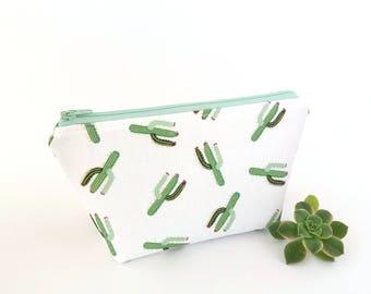 Makeup bag, Cactus makeup bag, Cactus zipper pouch, Mother gift, Bridesmaid gift, Cute makeup bag, Cactus pouch, Cactus gift, Make up bag