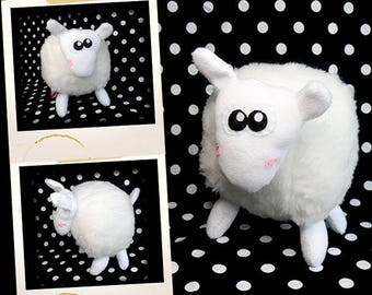 Plush soft APLUCHES white sheep