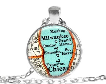 Milwaukee, Wisconsin necklace, Chicago, Lake Michigan map necklace pendant charm, map jewelry, Map of Milwaukee Gift fo Mom, A314