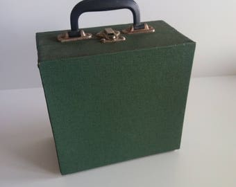 Green vintage 60s vinyl singles 45 rpm carrier box, 45 RPM Record Storage, Carrying Case  1960s, 7 inch vinyl carrier