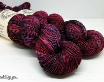 Sadie Soft Single Ply, Hand dyed yarn, Superwash merino wool, 400 yds/ 100g: Rosario.