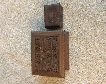 2 Chinese carved boxes