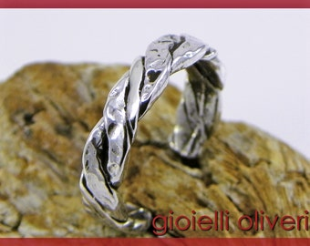 Ring band in sterling silver 925/1000, hammered and burnished