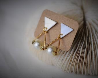 TRIANGLE Earring, SHELL Earring, Gold Triangle with Pearl Earring  ~  15 mm - Women / Casual / BOHO