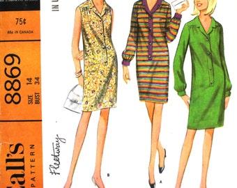 1960's Yoked Dress Bust 34