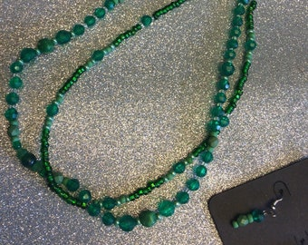 "16"" green necklace"