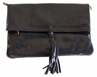Vintage women black leather shoulder bag and pouch