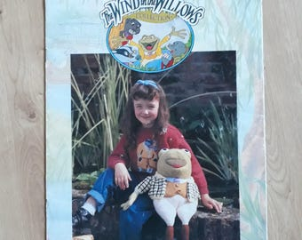 Patons Wind In The Willows Knitting Booklet, Mr Toad Mole Ratty Badger Toys Sweaters Knitting Patter PBN P 351, Wind In The Willows Toys