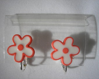 Play Earring - Clip - Flower Power - Red - 1/2""