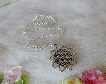 Sacred Geometry Sacred Seed Flower Of Life Zen Hindu Minimal Spiritual Simple Jewelry Antiqued Tibetan Silver Shiny Silver Chain
